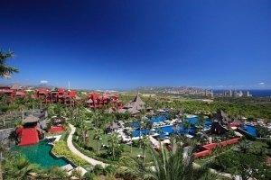 Hotel Asia Gardens Barceló, Costa Blanca. Larrain y Nonini